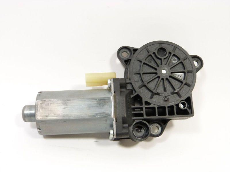 Motor Fensterheber links vorne 0130821938FORD FUSION (JU_) 1.4